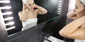 Klik hier voor een badkamer spiegel met handige verwarming!