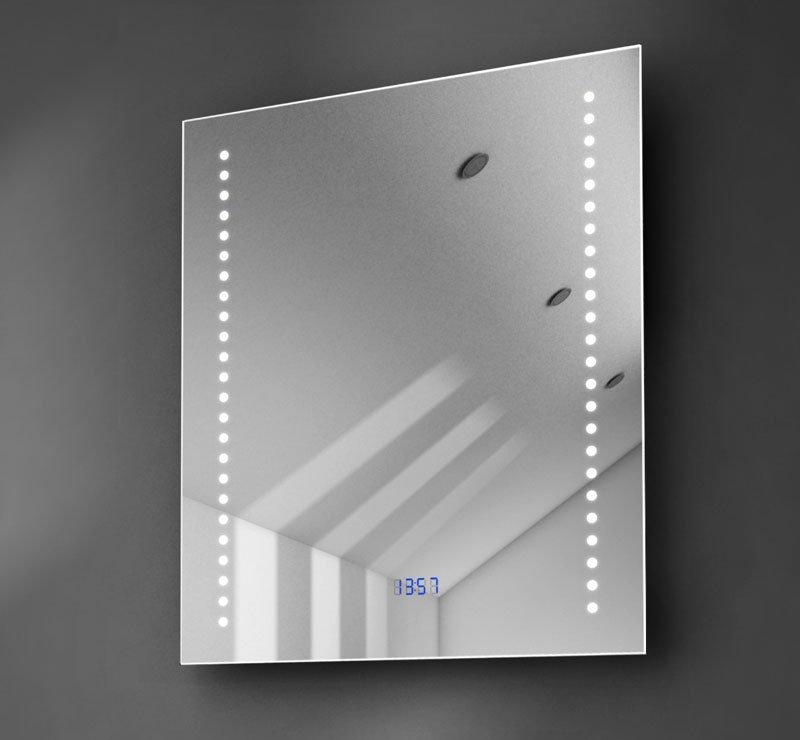 50 cm brede spiegel met klok, spiegelverwarming en verlichting