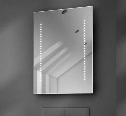 Smalle 50 cm badkamerspiegel met LED verlichting