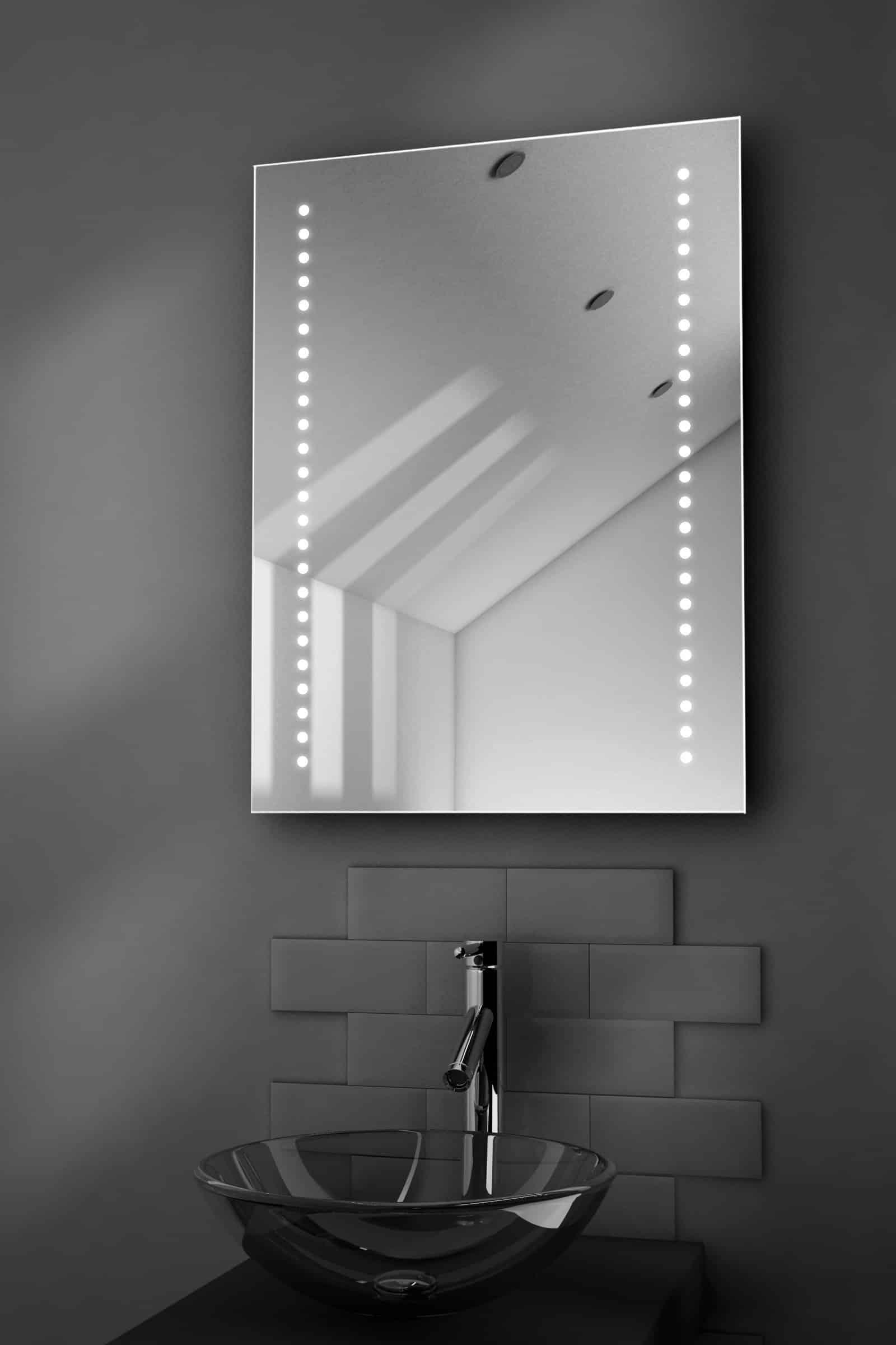 led spiegel met verwarming en sensor 60x80 designspiegels. Black Bedroom Furniture Sets. Home Design Ideas