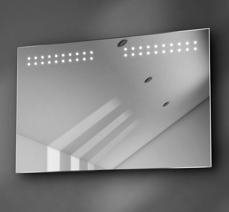 90 cm brede badspiegel met LED verlichting boven