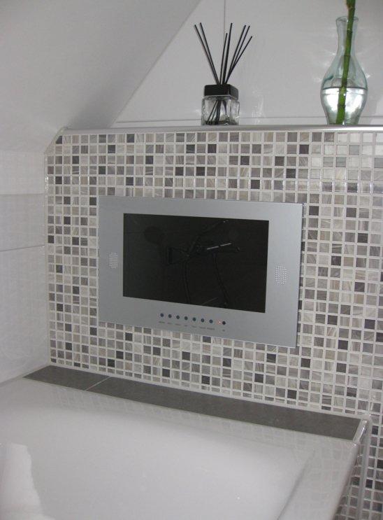 Badkamer televisie 15\