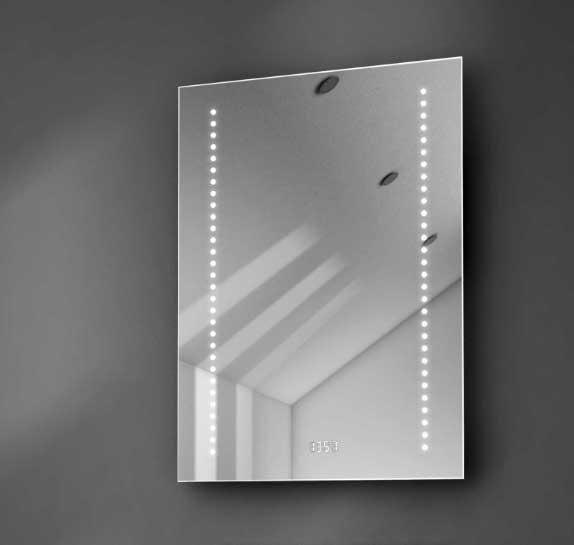 Badkamerspiegel met klok, verlichting en verwarming - erg compleet!