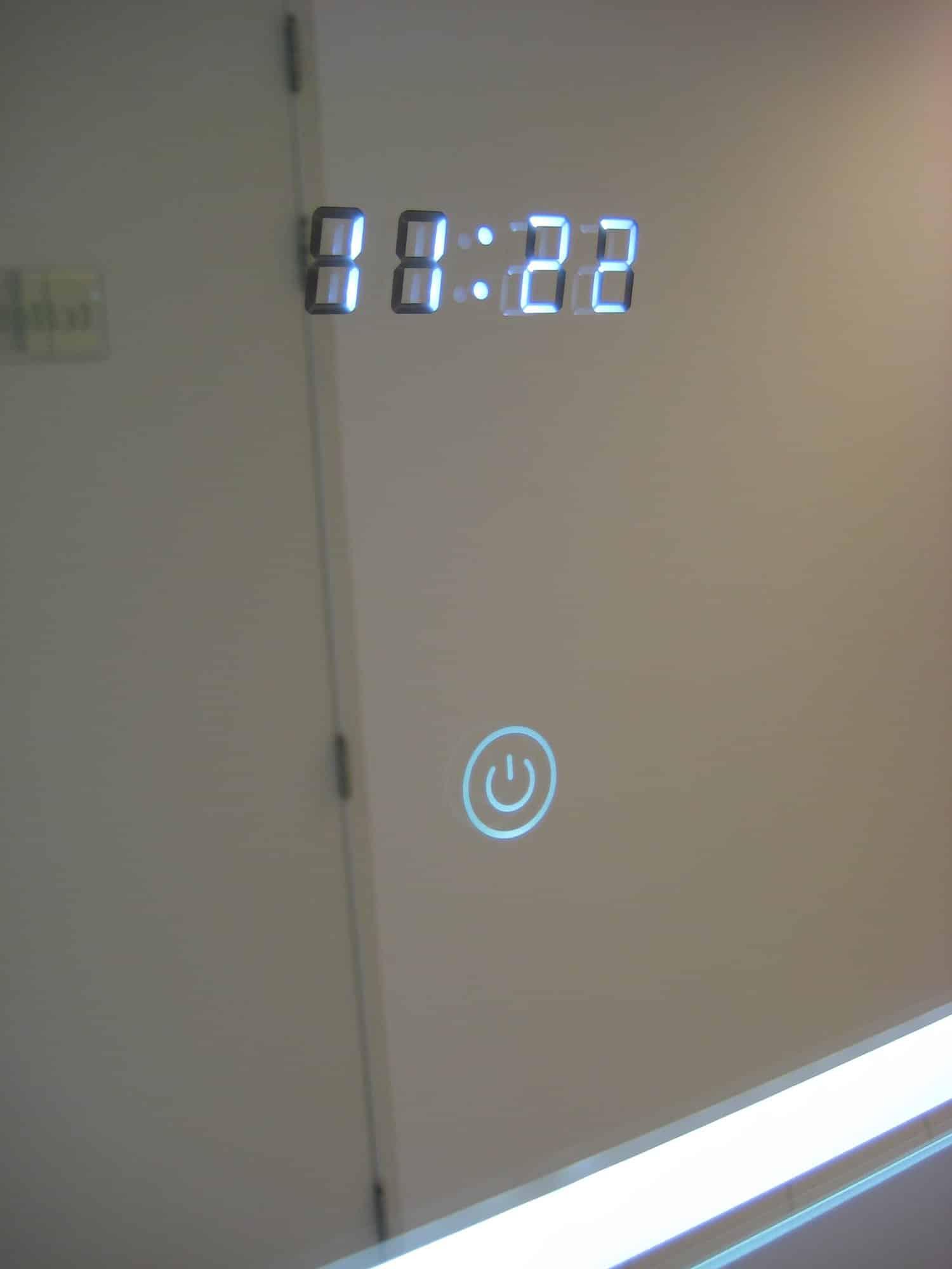 Klok op de muur for Spiegel 100x60