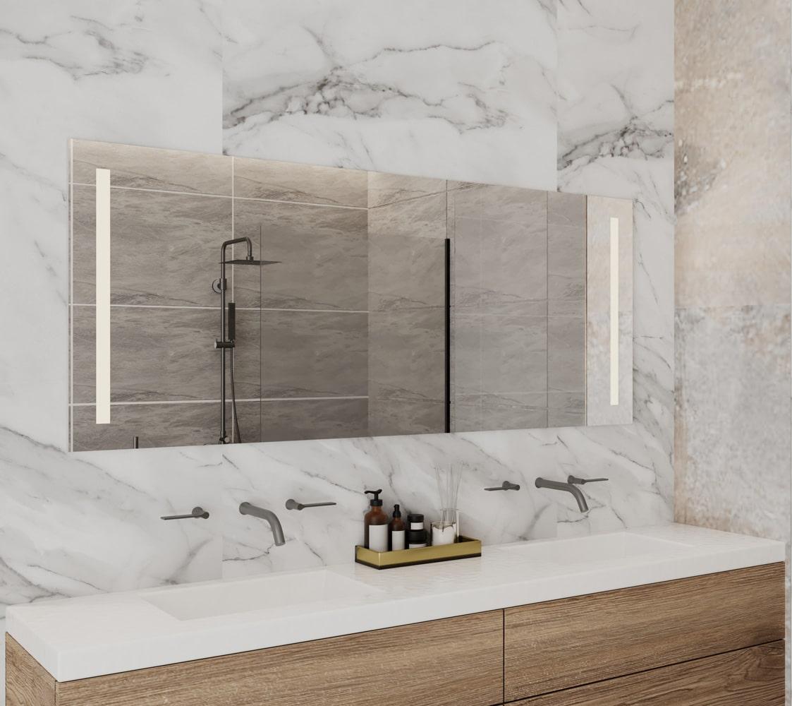 Deze badkamer spiegel is 140 cm breed, 60 cm hoog en slechts 3 cm diep
