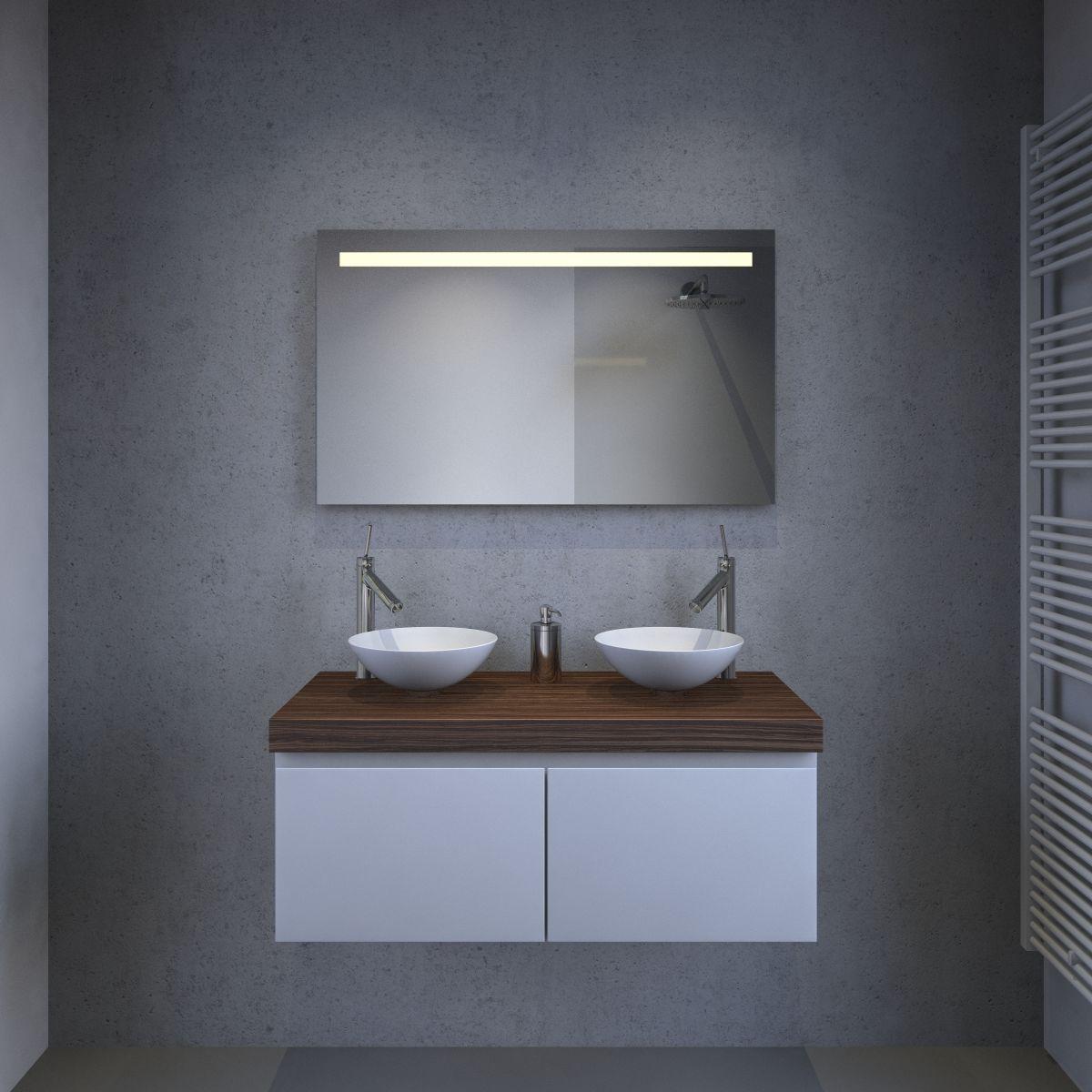 Badkamer spiegel met stopcontact, verlichting en spiegel verwarming ...