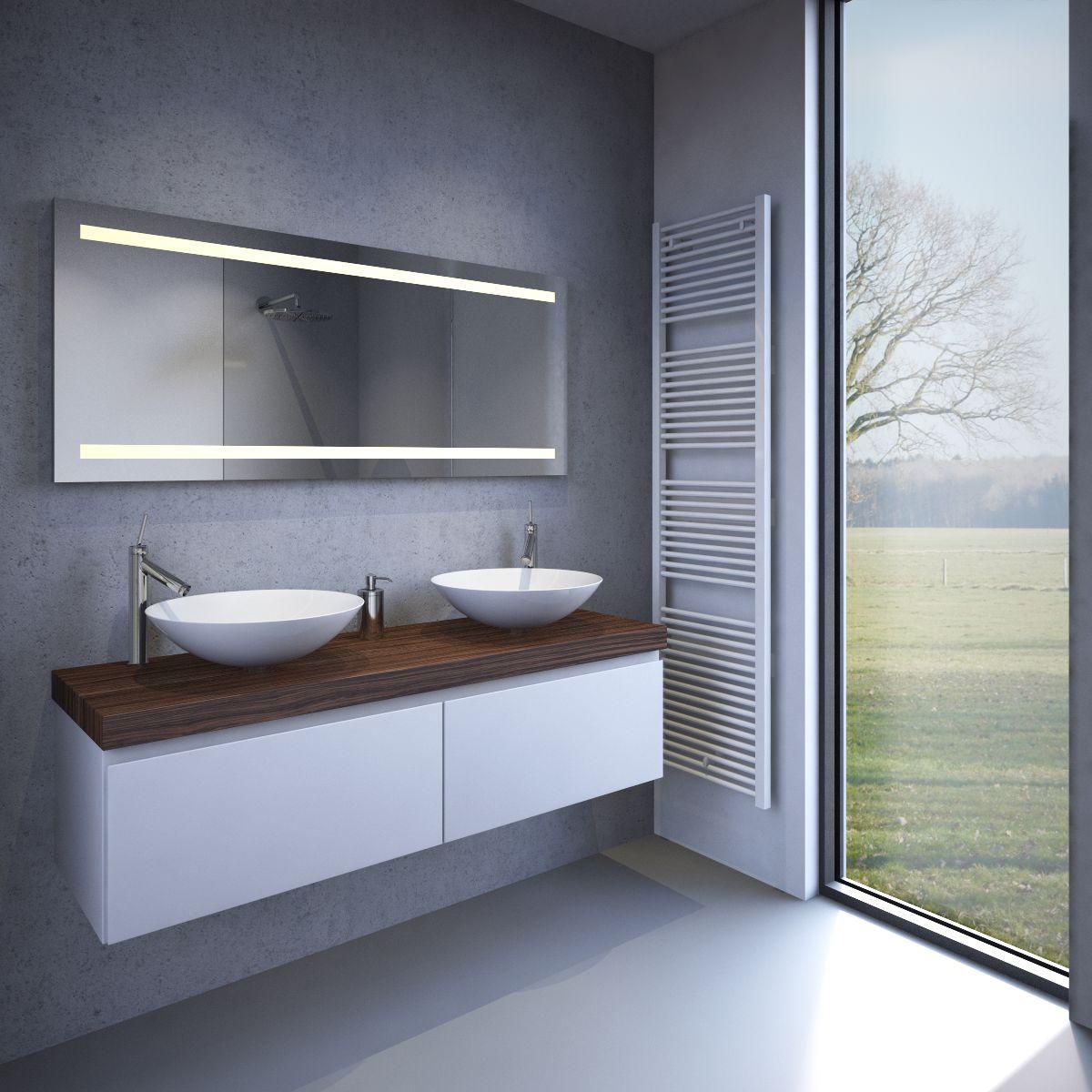 Verwarmde badkamer spiegel met praktische LED verlichting en sensor ...