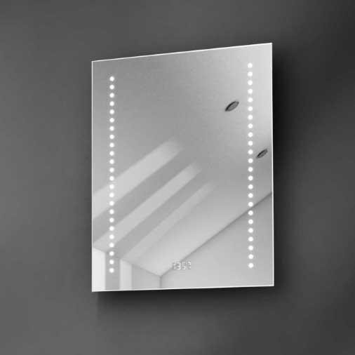 Stijlvolle spiegel met ingebouwde klok, verlichting en verwarming