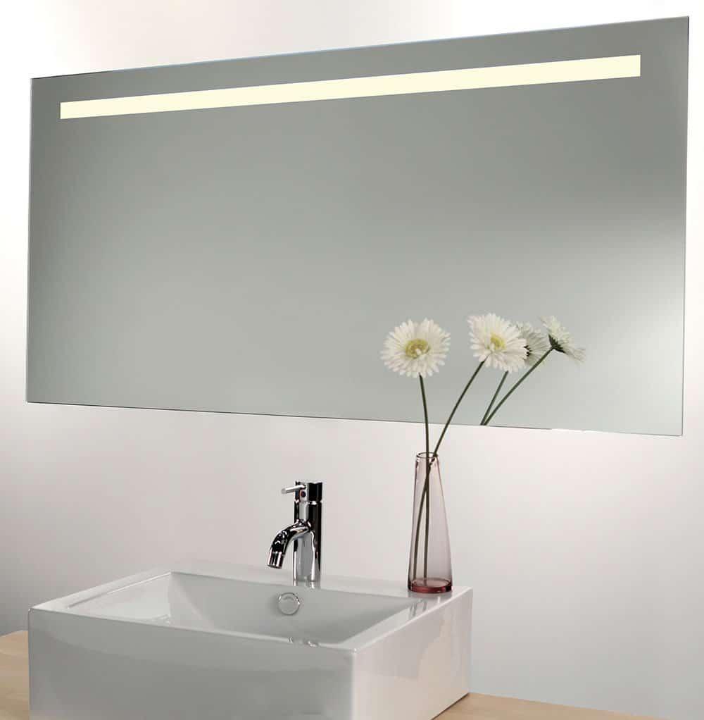 Badkamer spiegel met dimbare verlichting en spiegel for Miroir salle de bain chauffant