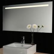 Schaere spiegel met dimbare LED verlichting en verwarming