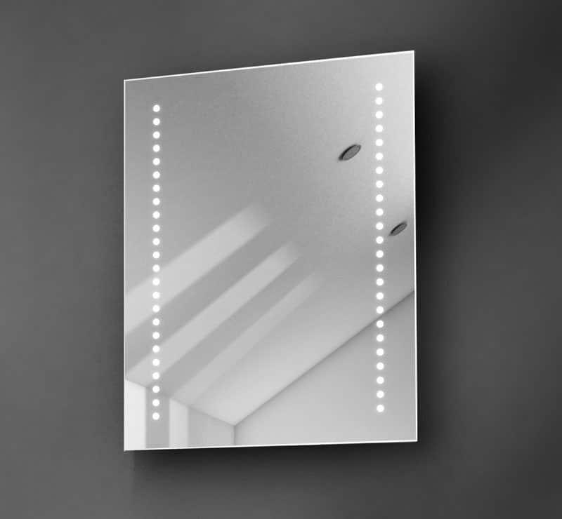 Kleine spiegel met LED verlichting