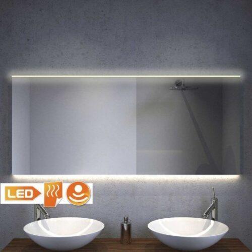 Nieuw design! Badkamer spiegel met warm witte verlichting bovenin en strijklicht onderin - 140 cm breed