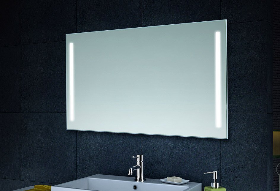 Badkamer spiegel met witte LED verlichting