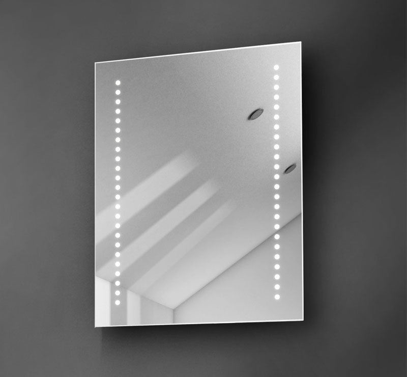 Smal spiegeltje, ideaal voor in het toilet of voor boven een smal wasmeubel