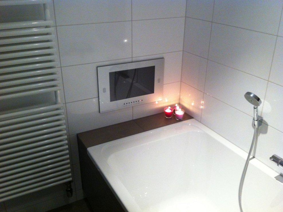 Badkamer spiegel tv ontwerp inspiratie voor uw badkamer for Spiegel tv video