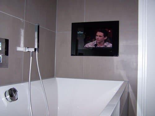 Badkamer tv 17 inbouw of opbouw designspiegels - Spiegel tv badkamer ...