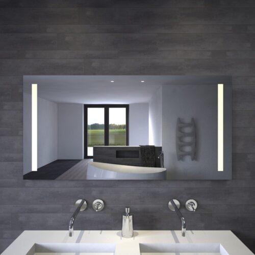 Spiegel op maat gemaakt met verlichting links en rechts