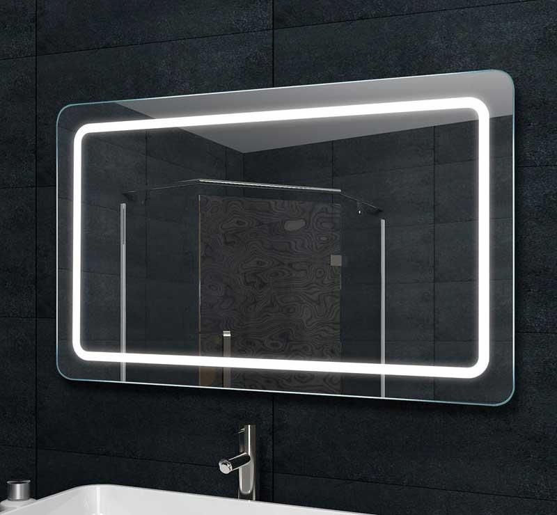 Deze design spiegel voor in de badkamer heeft afgeronde hoeken, erg fraai!