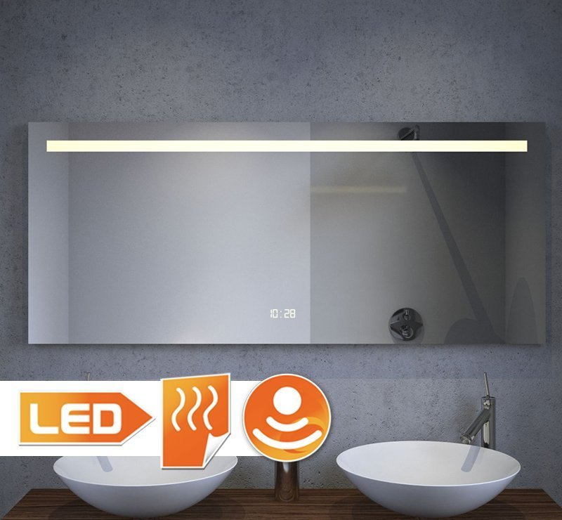Badkamer spiegel met digitaal klokje en verwarming 120 cm breed