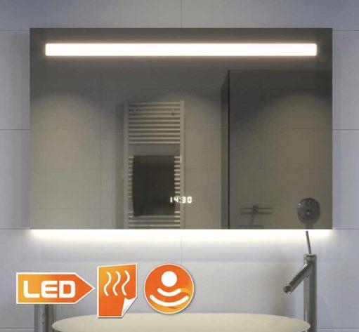 Fraaie 80 cm brede badkamer spiegel met klok verlichting en verwarming