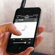 Met je telefoon of tablet stream je eenvoudig muziek via Bluetooth naar de spiegel