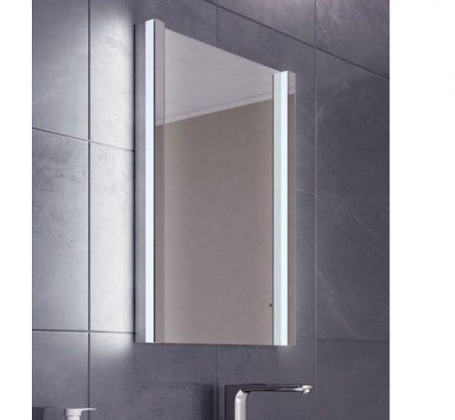Spiegelkast Met Verlichting Badkamer.Luxe Afgewerkte Badkamer Spiegel Met Verlichting En Verwarming 50x70
