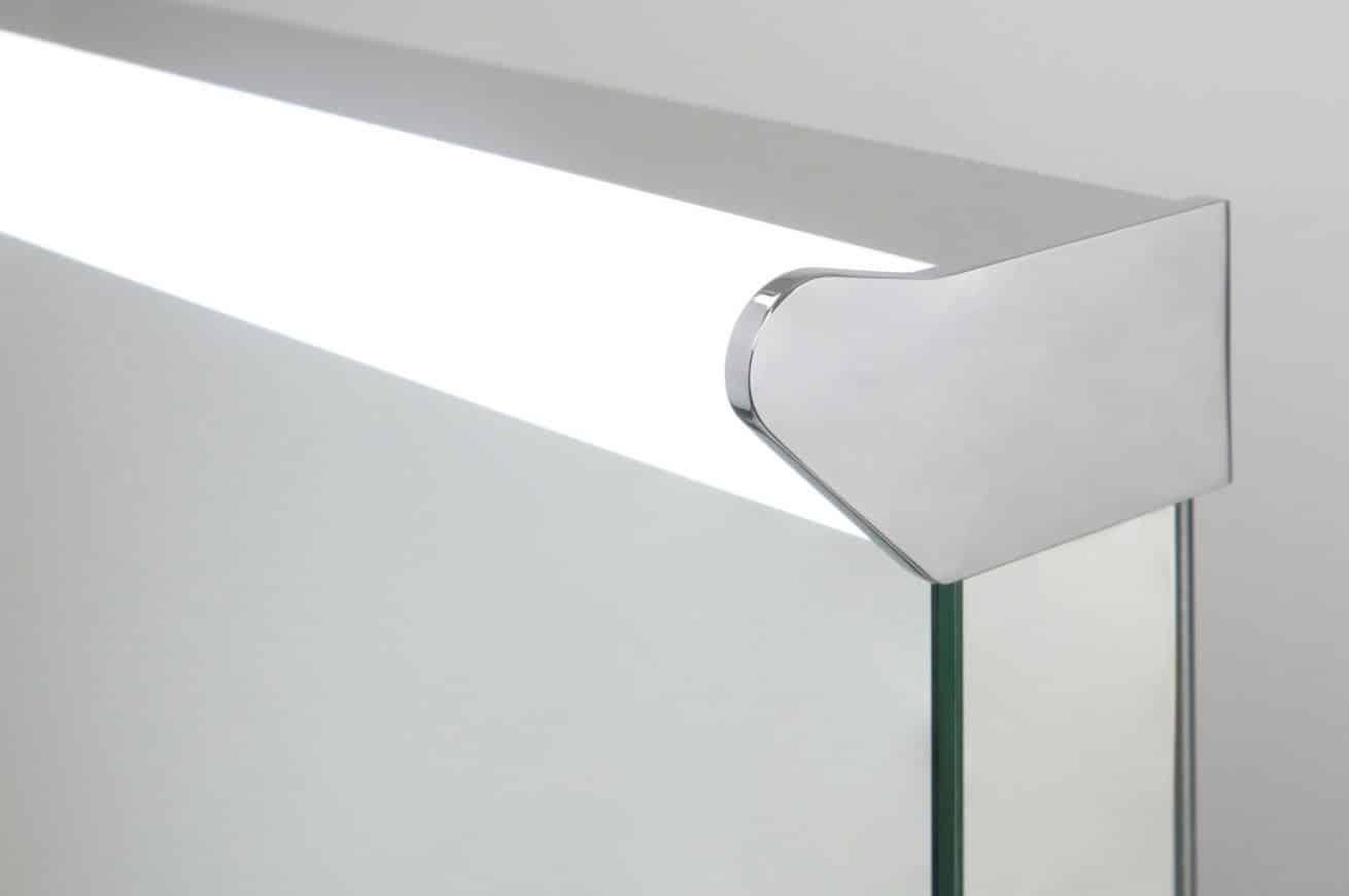 Badkamer spiegel met top lamp en spiegelverwarming 60x80 for Badkamer spiegel 60x80