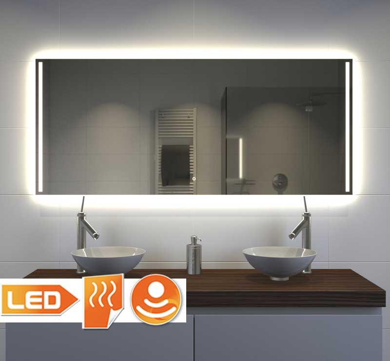 Fraaie badkamerspiegel met vele opties, zoals: verlichting, spiegelverwarming, touch schakelaar, dimfunctie