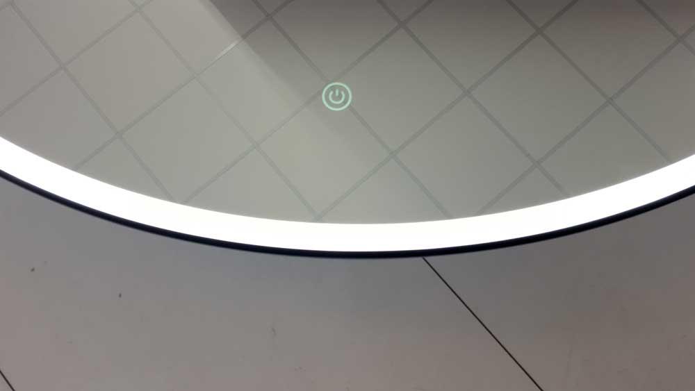 Ronde badkamerspiegel met mat zwart frame verlichting en Badkamerspiegel met led verlichting en verwarming