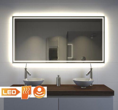 Trendy badkamerspiegel met veel verlichting