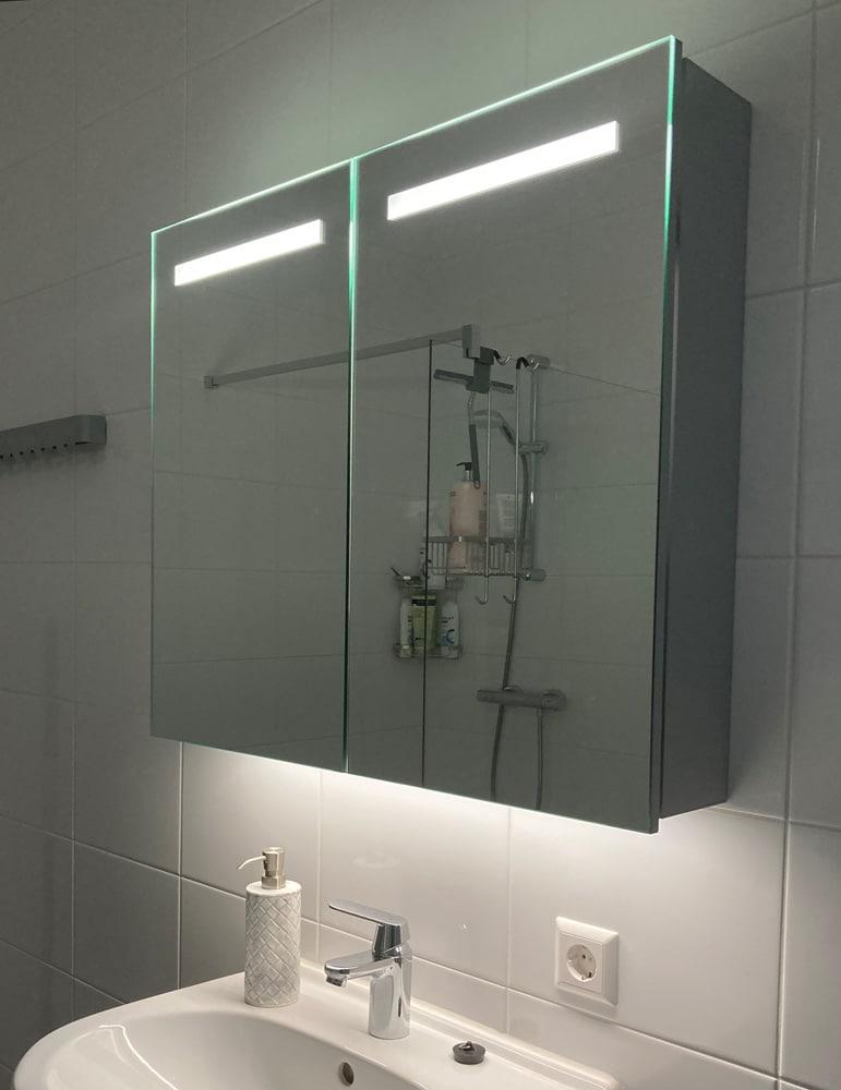 Spiegelkast 2 deuren met led verlichting