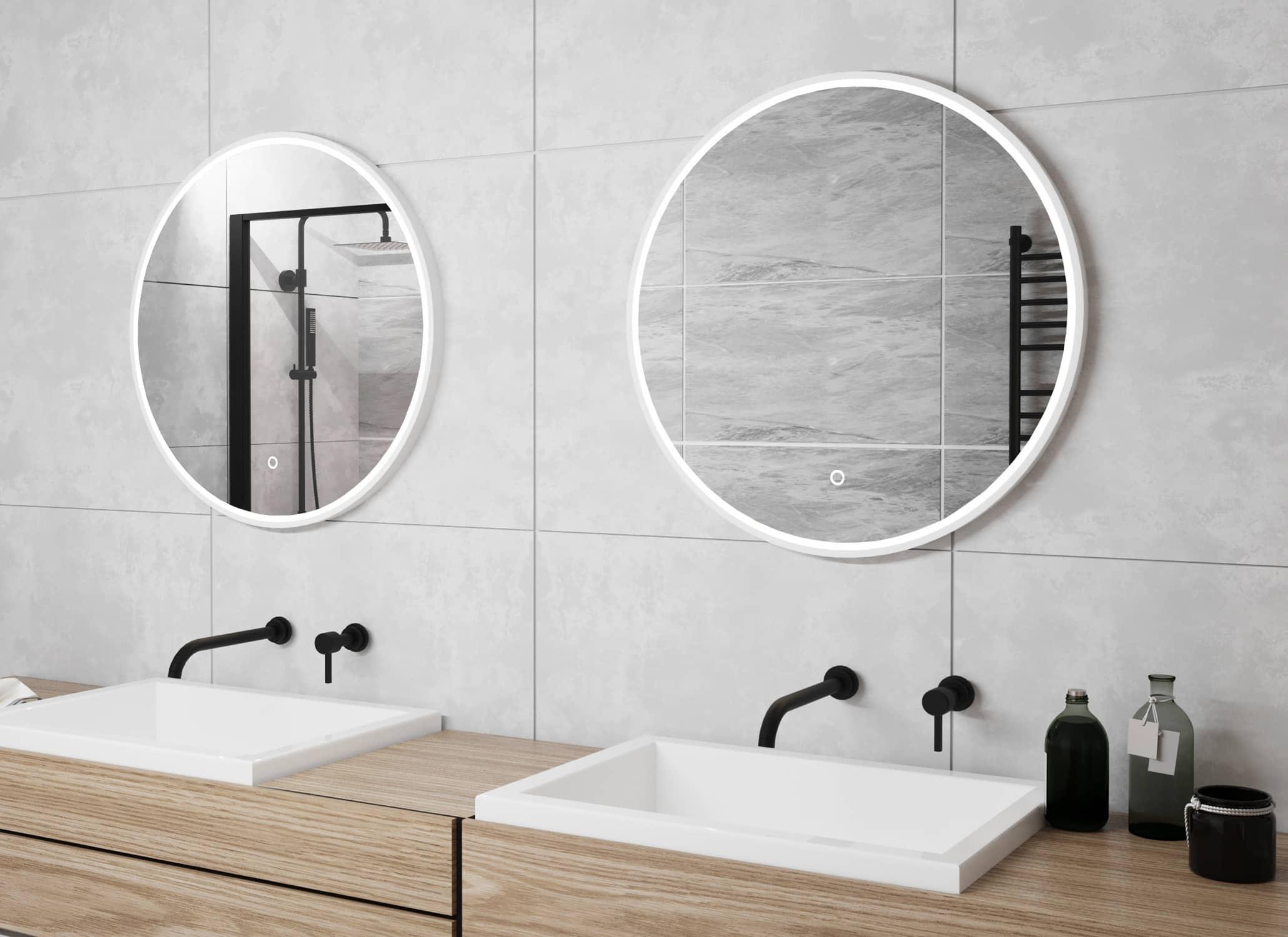 Deze ronde spiegel is uitgevoerd met een groot verwarmingselement, handig! Dit voorkomt een beslagen spiegel.