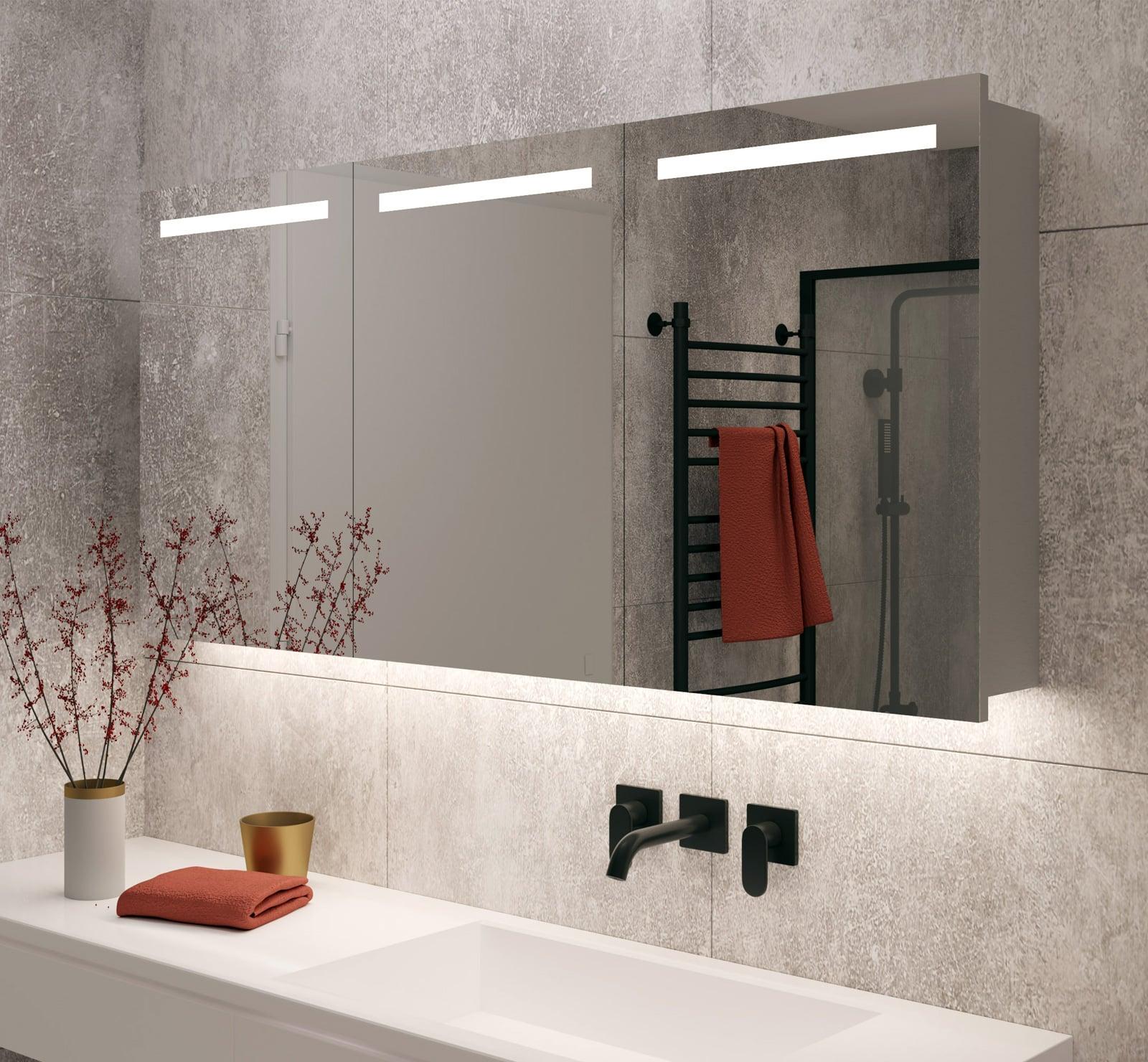 Grote badkamer spiegelkast met verlichting en verwarming